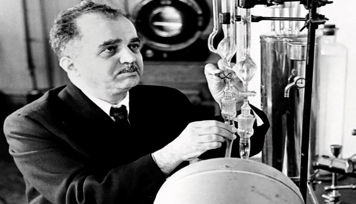 «Коктейль Молотова» и другие изобретения Ю.Мамедалиева времен Второй мировой войны
