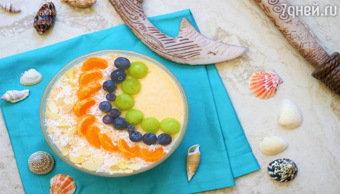 Смузи-боул с дыней: рецепт для семейного завтрака