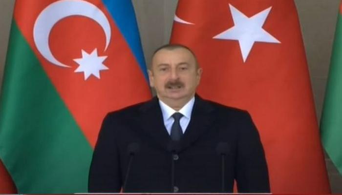 Ali Baş Komandan Zəfər paradında çıxış edib