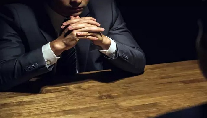 Alimlər dindirmə zamanı işgəncənin effektivliyini sınayıblar