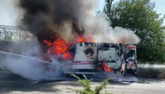 Ambulans alev alev yandı!