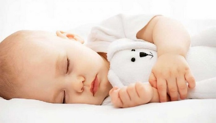 Анализ детского мозга выявил удивительные особенности изменения структуры сна