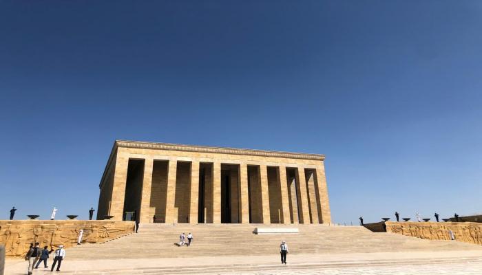 Делегация Милли Меджлиса посетила могилу Мустафы Кемаля Ататюрка