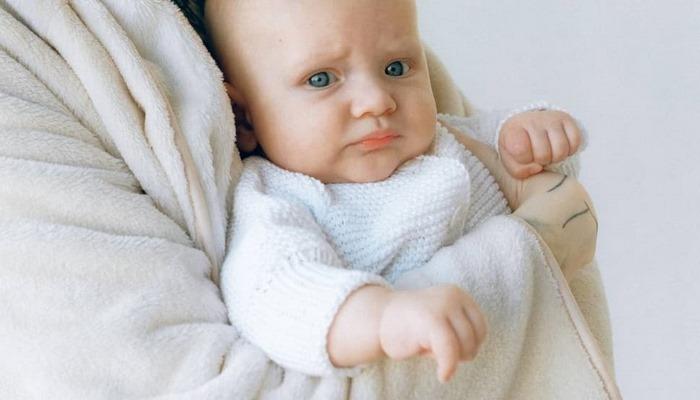 Anne sütü D vitamini için yeterli değil! Çocuklarda D vitamini ve demir desteğinin önemi