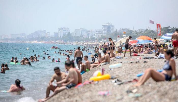 'Antalya'ya gelecek turistin yüzde 40-45'i Kemer'i tercih edecek'