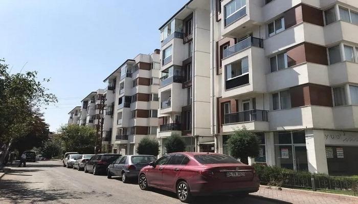Apartman görevlisinde koronavirüs çıktı, 120 dairede 500 kişi karantinaya alındı