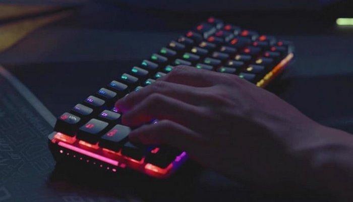 Asus yeni klaviaturasını təqdim etdi