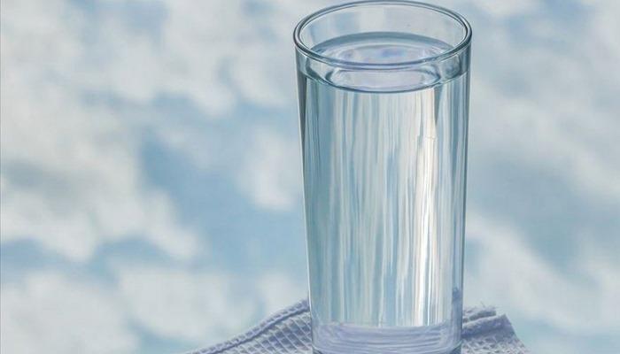 Az su içmek böbrek taşı riskini artırıyor Kaynak: Az su içmek böbrek taşı riskini artırıyor