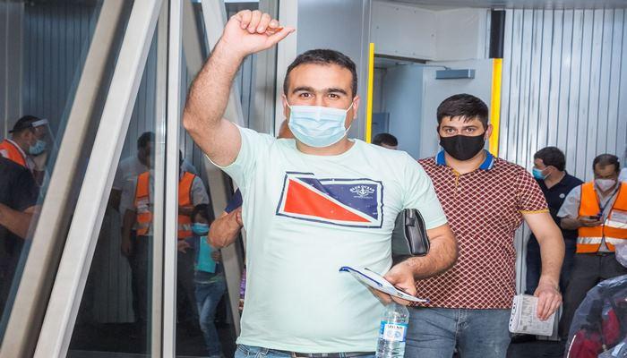 AZAL выполнил еще один чартерный рейс из Москвы