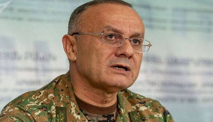 Azərbaycan Ermənistanın keçmiş müdafiə naziri barəsində axtarış elan edib