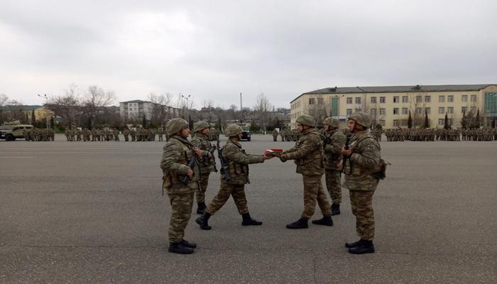 Azərbaycan Ordusunda ehtiyata buraxılan hərbi qulluqçuların yola salınması mərasimi keçirilib