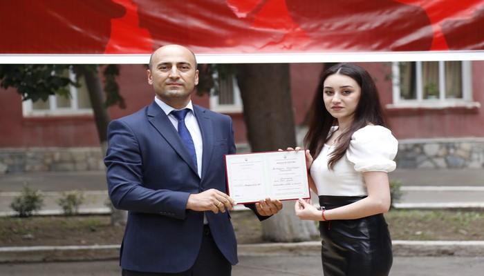 Azərbaycan Texnologiya Universitetində məzunlara diplomların təqdimetmə mərasimi keçirilib.