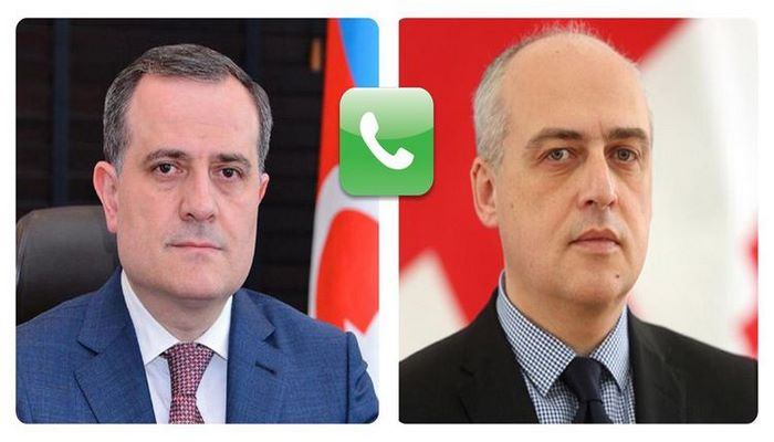 Azərbaycan və Gürcüstanın Xarici İşlər nazirləri arasında telefon danışığı olub