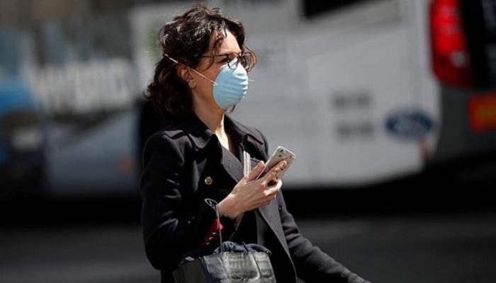 Azerbaycan'da günlük koronavirüs vaka sayısı düşüşe geçti