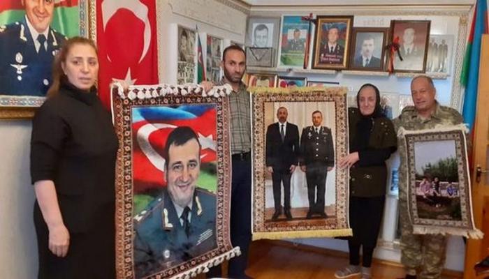 Azərbaycanın Milli Qəhrəmanı Polad Həşimovun anası ziyarət olunub