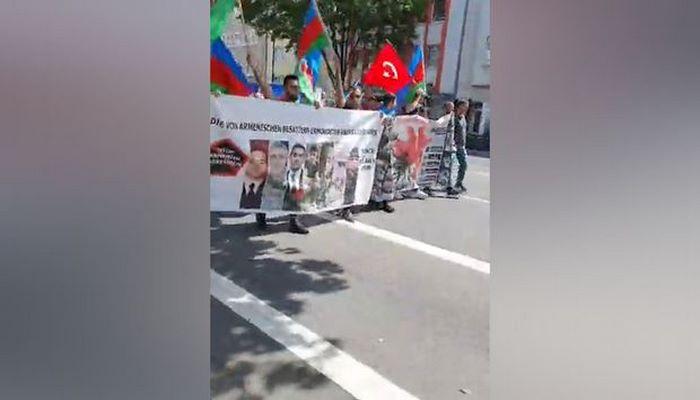 Azərbaycanlıların Düsseldorfda Qarabağ yürüşü