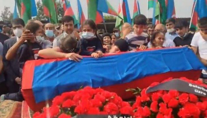 Азербайджан прощается с шехидом Вугаром Садыговым