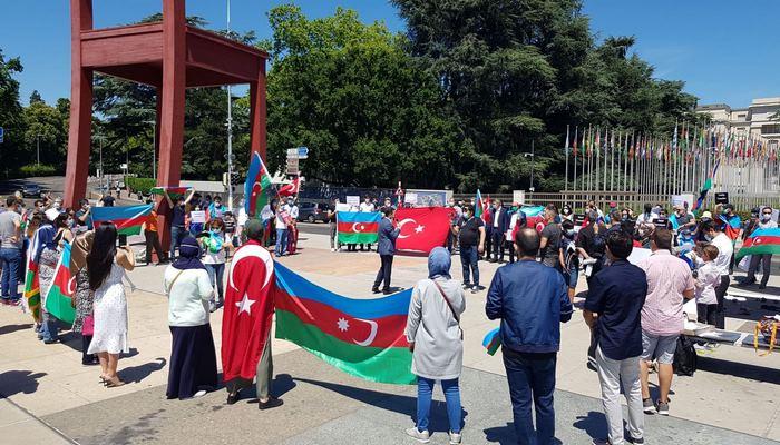 Азербайджанцы провели акцию протеста перед штабом ООН