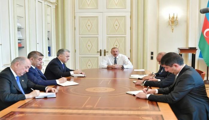 Президент Ильхам Алиев принял новых глав ИВ районов Баку и регионов