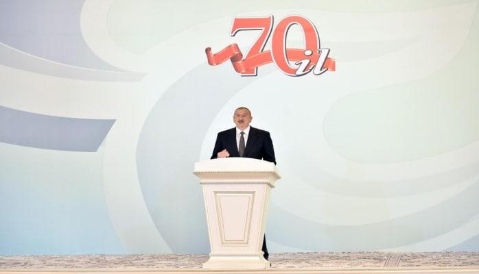 Президент Ильхам Алиев: Продажная власть НФА-Мусават, называвшая себя демократами, не позволила, чтобы учредительный съезд партии «Ени Азербайджан» состоялся в Баку