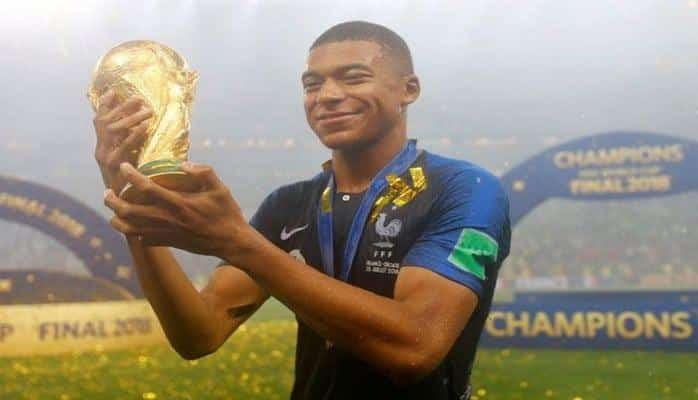 Мбаппе признан лучшим игроком Франции 2018 года
