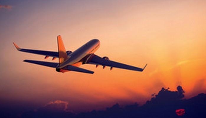 Пассажиры американского лайнера нашли своего пилота спящим во время полёта