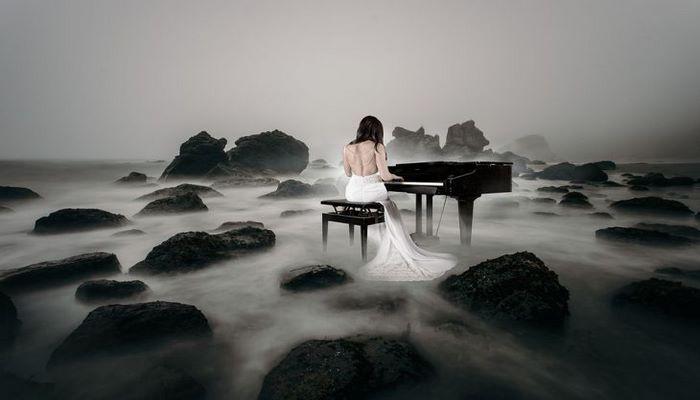 Ученые объяснили, почему депрессивные люди любят грустную музыку