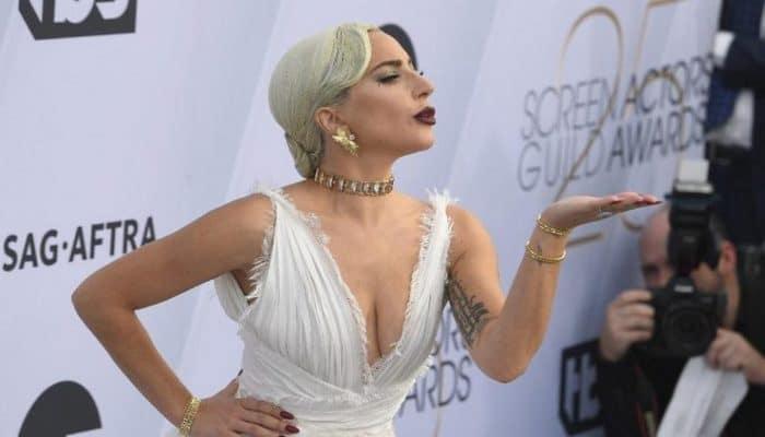 Corona virüsü ile mücadele için Lady Gaga'dan rekor bağış geldi. Ünlü şarkıcı, Global Citizen adlı yardım kuruluşuyla birlikte tam 35 milyon dolarlık bağış yaptı.