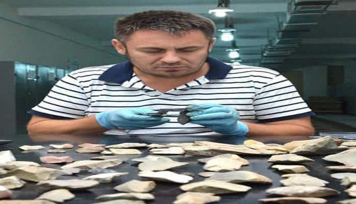 Британский ученый проводит в Азербайджане исследования инструментов каменного века