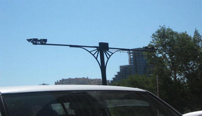 В Баку начала действовать система контроля за незаконной парковкой