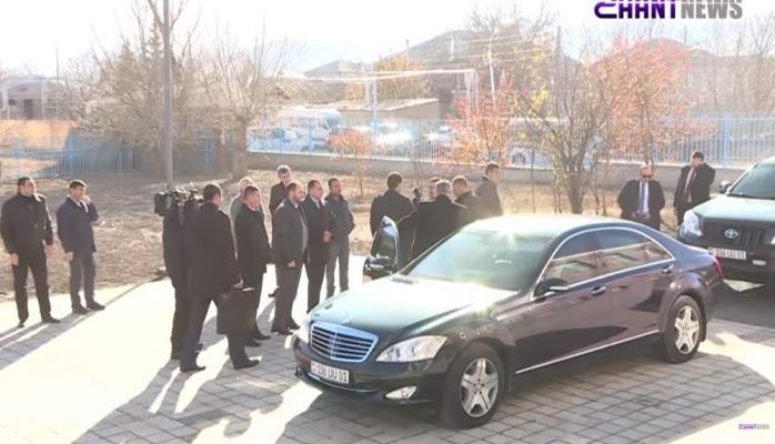 Paşinyan xalqı belə aldadır – Avtomobilinin qiyməti fantastikdir