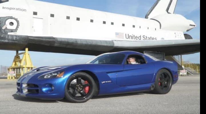 Dodge Viper разогнался до 400 км/ч. Рекордный заезд попал на видео