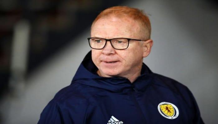 Главный тренер сборной Шотландии подал в отставку