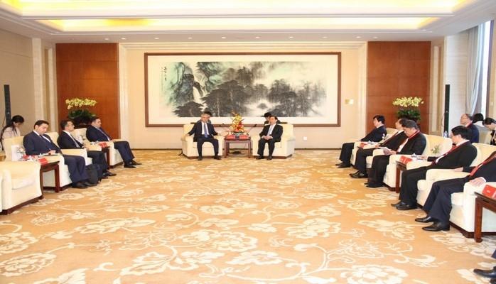 Ван Чен: Мы поддерживаем избранный Азербайджаном путь развития