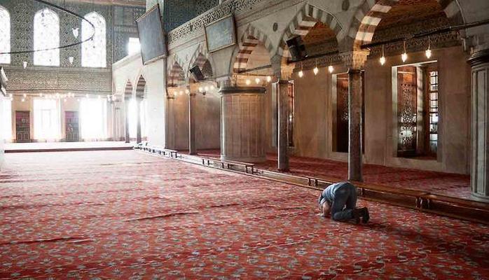 Имамам мечетей в Турции запрещается курение