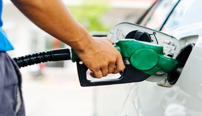 Иран ввел квоты на розничные продажи бензина и повысил цены