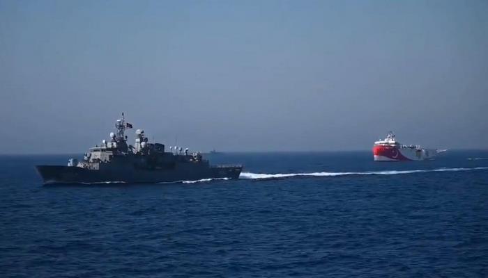 """Başkan Erdoğan """"ilk cevabı aldılar"""" demişti! Yunan gemisi kaçtı...."""
