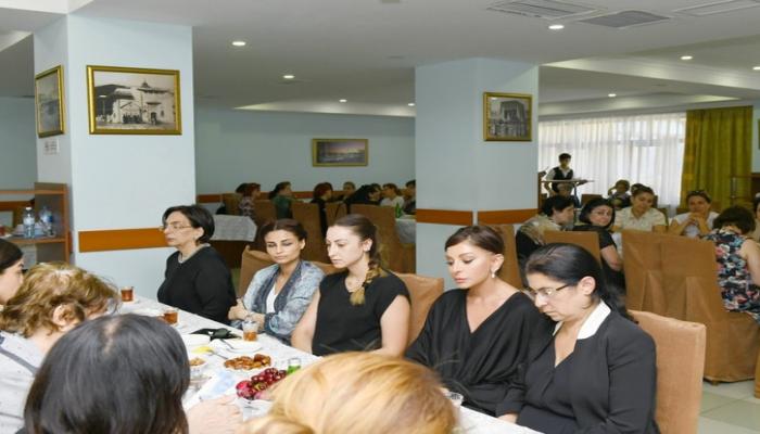 Birinci vitse-prezident Mehriban Əliyeva Şirməmməd Hüseynovun hüzr mərasimində iştirak edib