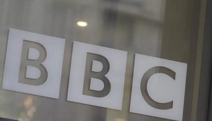 BBC, çalışanlarından sosyal medyada görüş belirtmemesini istedi