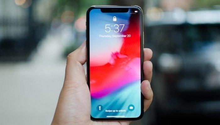 Yeni iPhone'larda ekran teknolojisi değişebilir!
