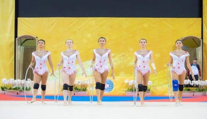 Групповая команда Азербайджана начинает свои выступления на чемпионате мира в Болгарии
