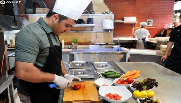 Azərbaycanlı aşpaz: Qurudlu xəngəli Almaniyada bişirib servis edirəm