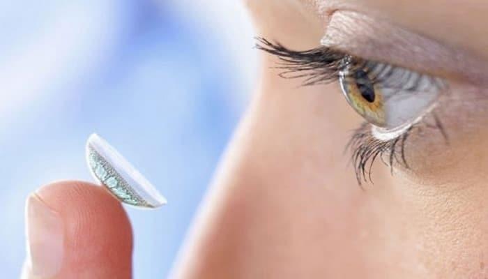 «Умная» контактная линза распознает болезни глаз путем изменения цвета
