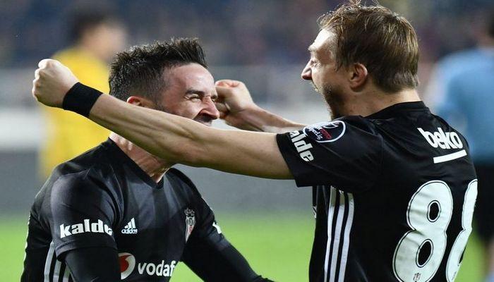 """""""Beşiktaş"""" daha iki futbolçusi ilə vidalaşdı"""