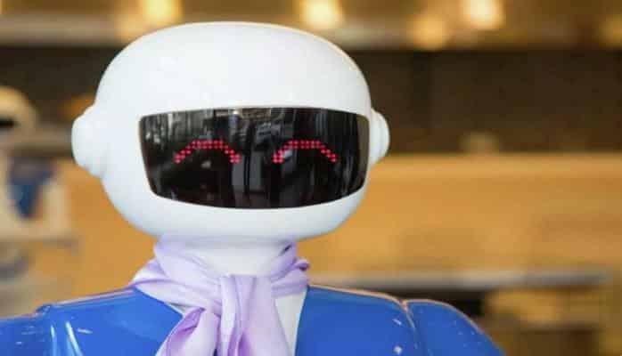 В одном из ресторанов в Стамбуле появились роботы-официанты