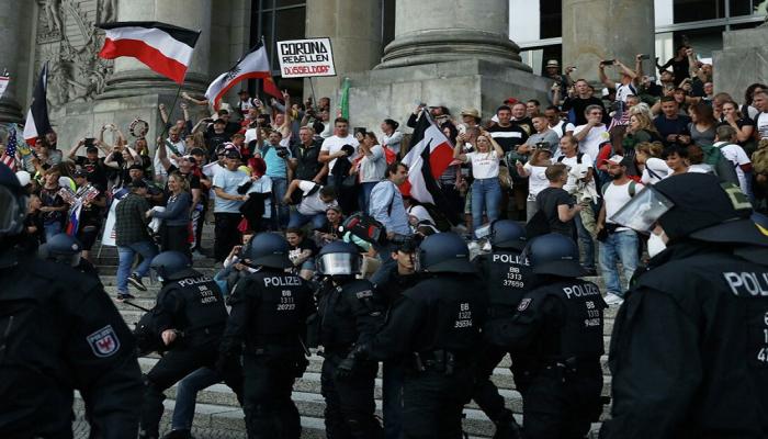 Berlində yüzdən çox aksiya iştirakçısı tutulub