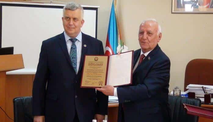 Олег Кузнецов стал почетным доктором Института истории НАНА