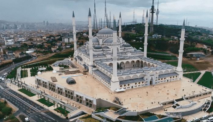 Dünyanın ən böyük məscidi açıldı
