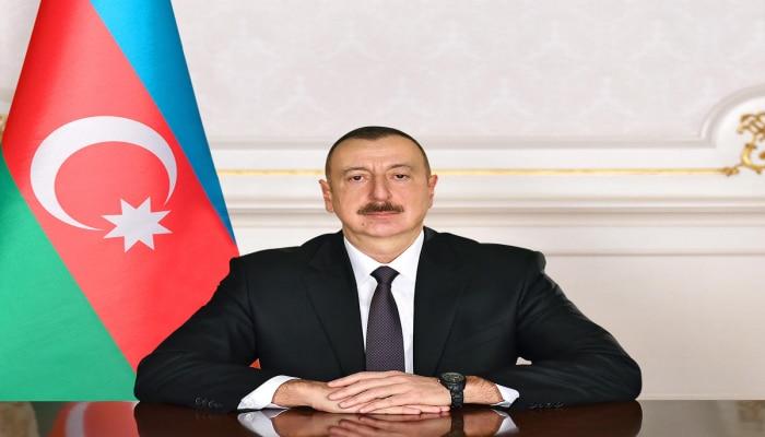 Президент Ильхам Алиев поздравил главу Кыргызстана