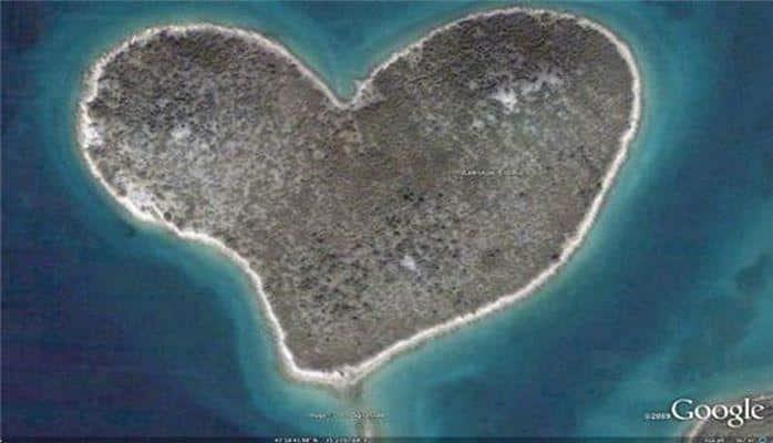 Qeyri-adi görünüşə malik adalar